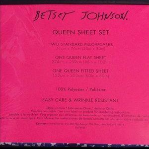 Betsey Johnson Bedding - Betsey Johnson Queen Sheet Set